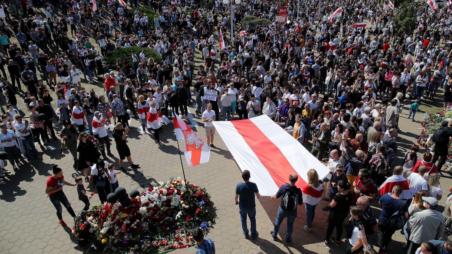 34-latek zginął w pierwszym dniu protestów w Mińsku.  Do sieci trafiło drastyczne nagranie |  Wiadomości ze świata