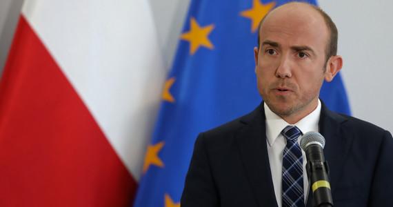 Borys Budka o połączeniu funkcji lidera partii i klubu. Krytykuje Grzegorza Schetynę