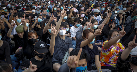 Historyczne protesty w Tajlandii. Po raz pierwszy król został skrytykowany